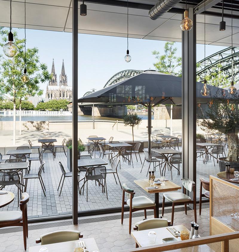 Solarlux cero Schiebefenster Hyatt Pavillon Innen